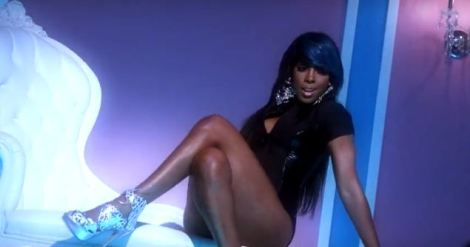 Kelly Rowland 'Kisses Down Low' Behind The Scenes
