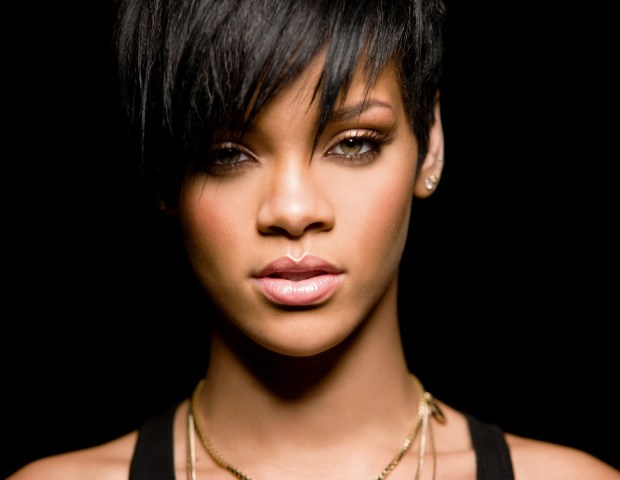 Rihanna Ft. Theophilus London 'Jump (Club Cheval Remix)'