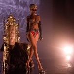 Rihanna - Pour It Up Pictures 1